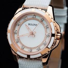 Классические наручные женские часы в Сочи