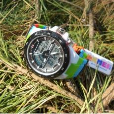 Детские спортивные водонепроницаемые часы с секундомером
